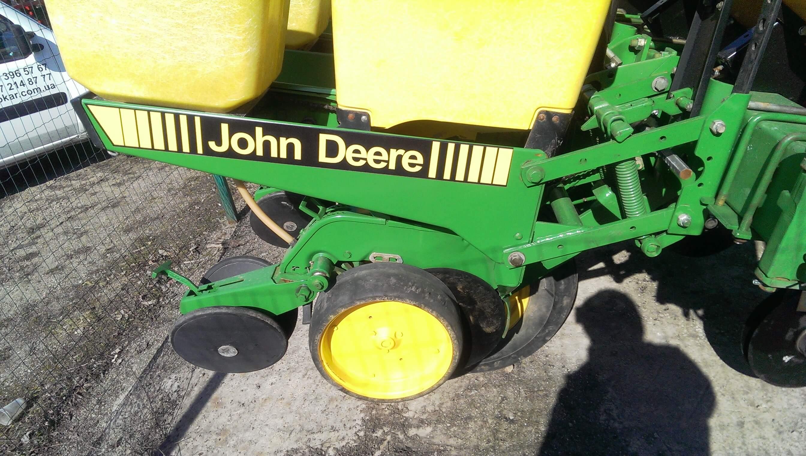Купить Сеялку John Deere 7200 8 рядов